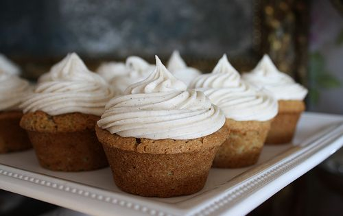 Spiced zucchini muffins with cinnamon cream cheese frosting