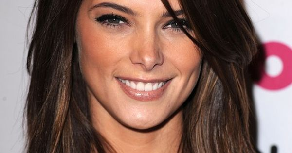 Ashley Greene Medium length hair