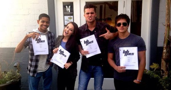 Photo Lab Rats Cast Back To Work On Season 4 October 8 2014