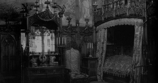 What I Imagine Ebanezer Scrooge S Bedroom Would Look Like