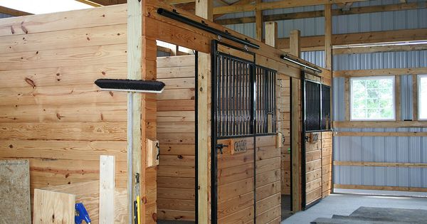 Diy Barn Stalls Horse Barn With 2 Stalls And