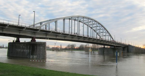 John Frost Bridge Wikipedia The Free Encyclopedia Bridge Arnhem Operation Market Garden