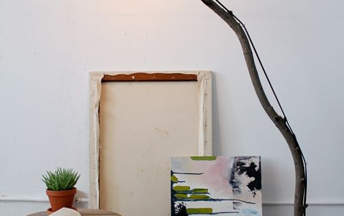 DIY Tree Branch Floor Lamp, cool idea :)