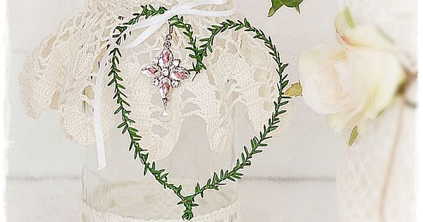Vintage-Vase #Hochzeitsdeko im #Shabby-Stil #Tischdeko #Hochzeit http ...