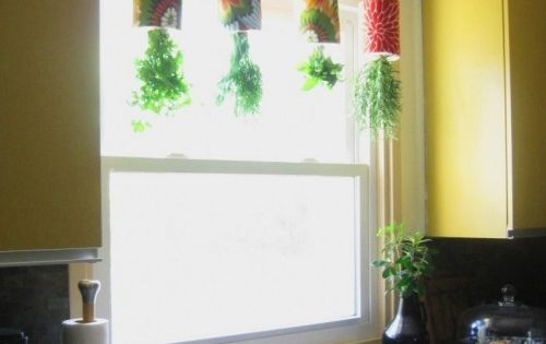 DIY: Hanging Herb Garden made out of Coffee Tins kitchen cooking