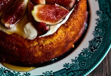Figs, Almond cakes and Yogurt on Pinterest