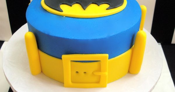 Incredible Batman cake! See more more party ideas at CatchMyParty.com. batman cake
