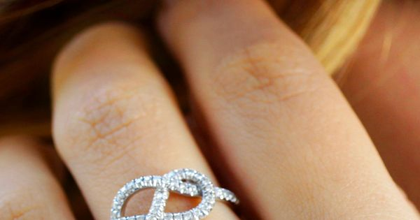 Infinity Knot Ring. Cute anniversary gift :) I LOVE infinity rings!