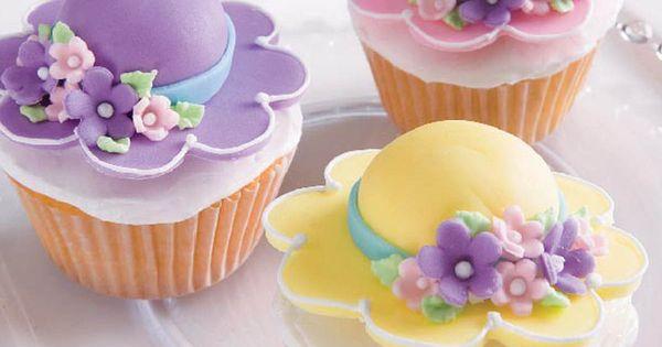 Cute Cupcake Decorating Ideas Pinterest : Cute bonnet #cupcakes from @Wilton Cake Decorating Cake ...