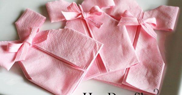 Diy d coration pliage de serviette robe pour babyshower bapt me ou anniversaire pliage - Pliage serviette bonbon ...