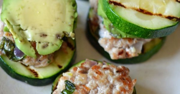 Paleo Meal Monday: Turkey Sliders with Zucchini Buns | Living Crunchy 1/2