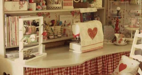 Cute Room Crafts: Adorable Work/craft Spaces