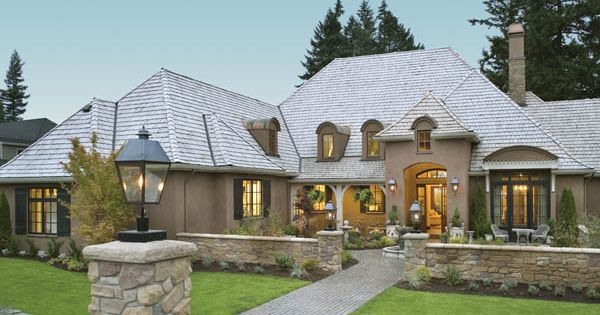 Terrebonne house plan 8292 love this house plan spaces for Courtyard in front of house