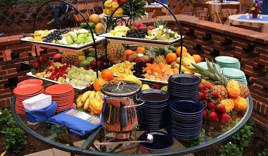 Wedding Reception Food Ideas On A Budget: A Great Way To Set Up A Backyard Buffet For An Informal