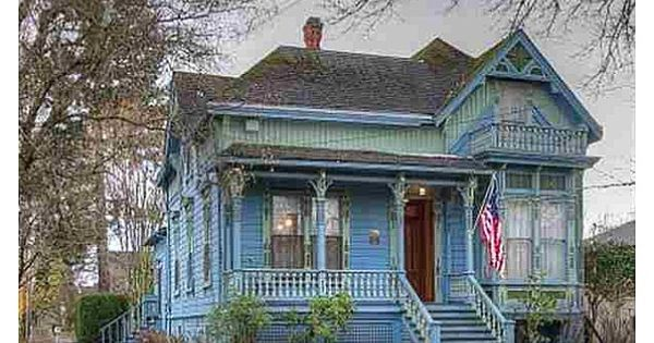 Cute Victorian Home For Sale In Salem Oregon Pretty Sure This Is The House Right Behind Were I