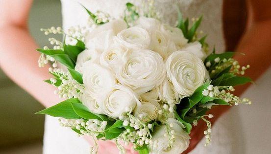 bouquet base muguet bouquet de la mari e pinterest mariage bouquets et roses blanches. Black Bedroom Furniture Sets. Home Design Ideas