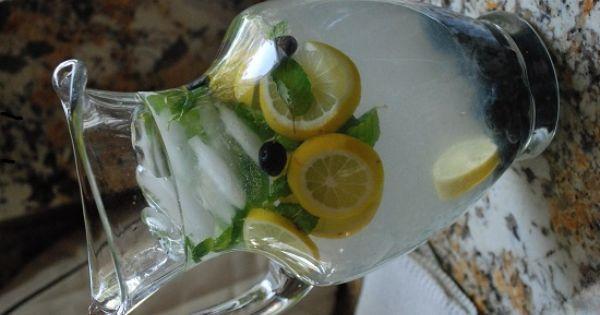 Blueberry Mint Lemonade Recipe - 0 Points | Mint Lemonade, Lemonade ...