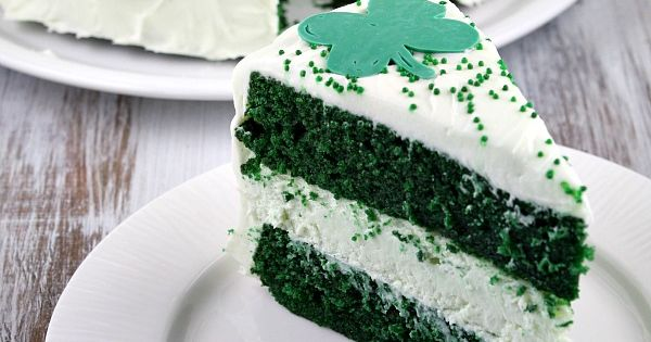 Green Velvet Cheesecake Cake Recipe - looks like a lot of work