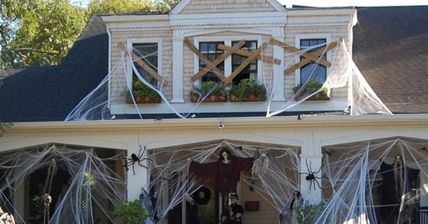 halloween haunted house decorations pictures photography | 40 Spooky Halloween Decorating Ideas