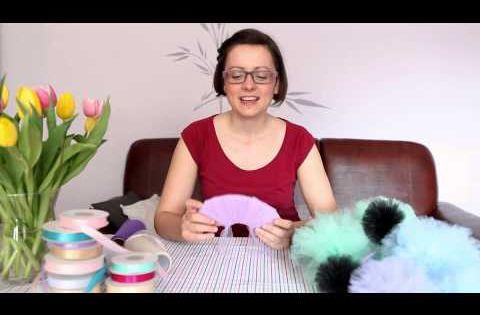 Jak Zrobic Pompon Z Tiulu Dekoracje Na Wesele Youtube Hair Clips Diy Hair Clips Tulle