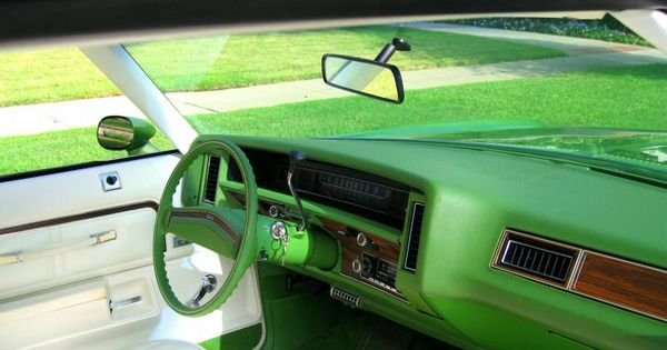 interior 1976 chevrolet caprice 2 door sport coupe lime green and white see the u s a in. Black Bedroom Furniture Sets. Home Design Ideas