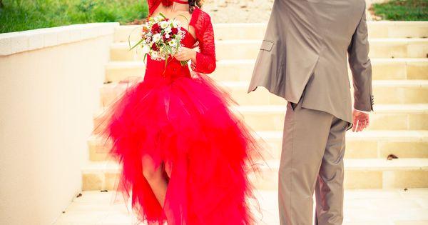 Robe de mariée asymétrique rouge en tulle  robes mariée ...