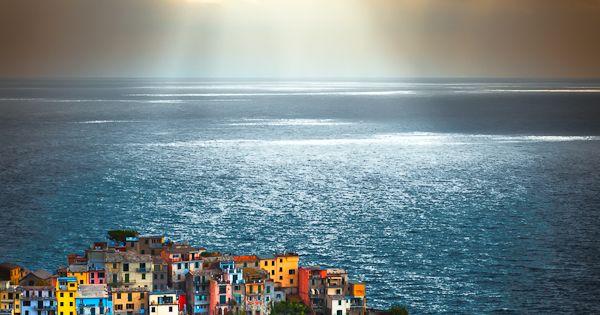 Cinque Terra, Italy, by Sergio del Rosso.. sergiodelrosso.com