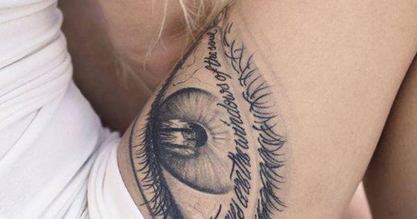tattoo schenkel auge mit schrift tatto pinterest tattoos. Black Bedroom Furniture Sets. Home Design Ideas