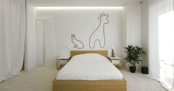 Trennwand schlafzimmer ~ Weiß gestrichenes schlafzimmer mit holzbett langen weißen