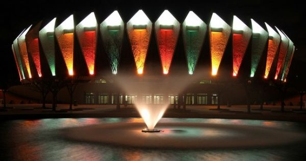 Hampton Coliseum Hampton Va Always Colorful Lights At The Holidays Virginia Is For Lovers City By The Sea Hampton Roads