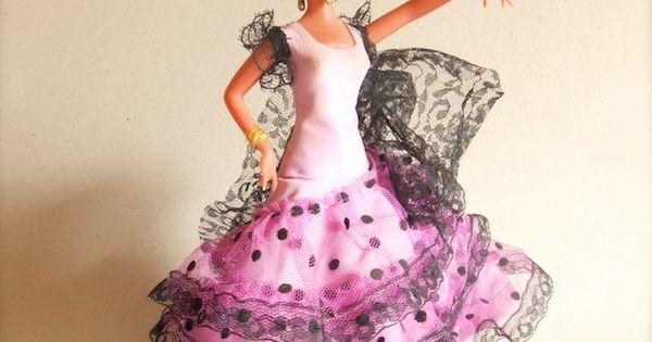 Bambole spagnole colorate vestiti e scialli frange - Tessuti fiorati ...