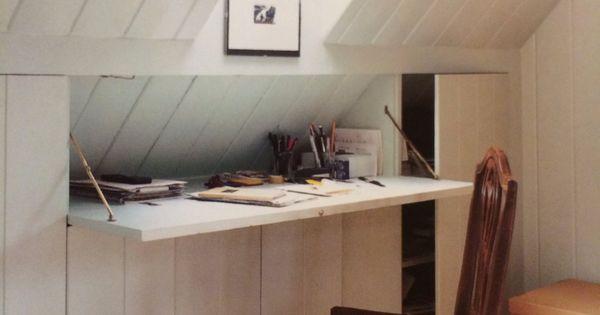 schlafen verdeckter schreibtisch in dachschr ge hidden desk and attic storage attic. Black Bedroom Furniture Sets. Home Design Ideas