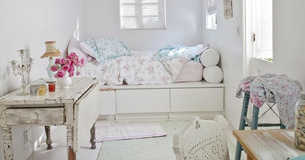 25 Chic And Serene Green Bedroom Ideas: Bedroom, Cottage, Shabby Chic, Coastal, Whites And Pastels
