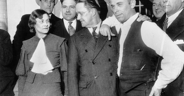 Was John Dillinger Buried Under Tons Of Cement In 2020 History Baby Face Nelson Lake County