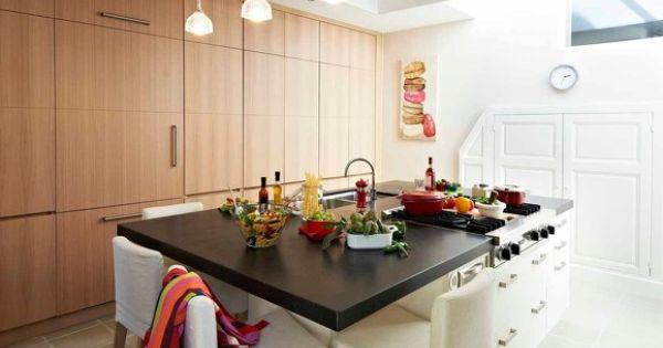 Cuisine avec lot central plans de travail en granit noir - Plan de travail cuisine avec rangement ...