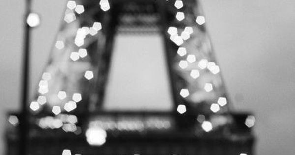 Twinkle, twinkle, Eiffel Tower. How I love you on the hour.