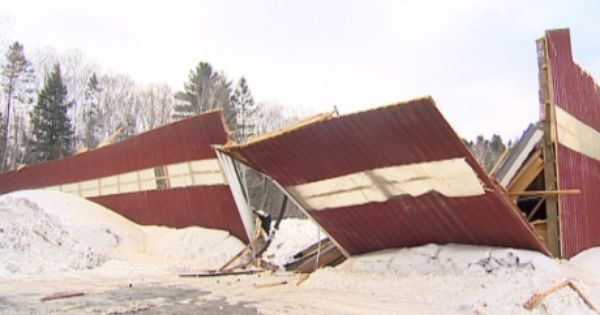 Watch For Roof Collapse Warning Signs Official Says Cbc News Roof Collapsing Roof Collapse