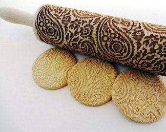 Nudelholz Mit Dem Paisley Muster Fur Hausgemachtes Geback Paisley Muster Decoracion De Galletas Navidenas Rodillo De Cocina