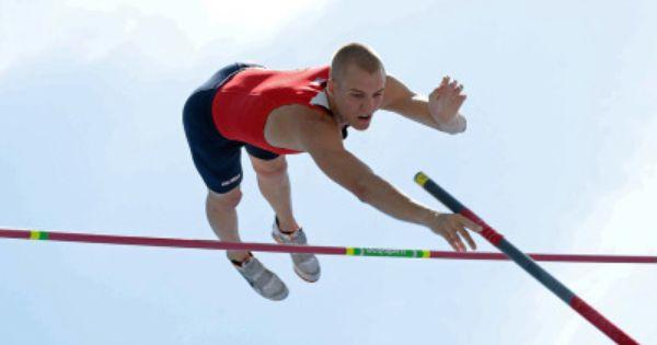 Sam Kendricks Captures The National Title In Men S Pole Vault Pole Vault Vaulting Capture