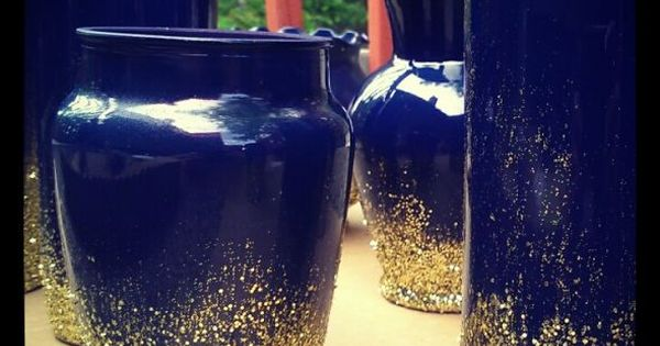 Navy blue vases with gold glitter for centerpieces
