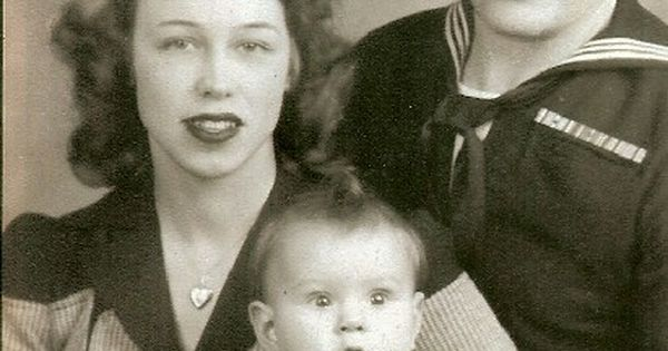 Ed and Lorraine with their daughter Judy Warren ...
