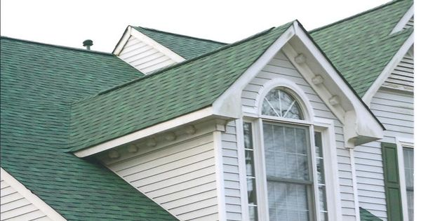 Best Gaf Elk Hunter Green Shingles This Roof Has Some Color 400 x 300