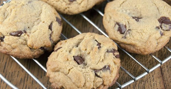 Bakery Style Chocolate Chip Cookies | Recipe | Fresh, Easy recipes and ...