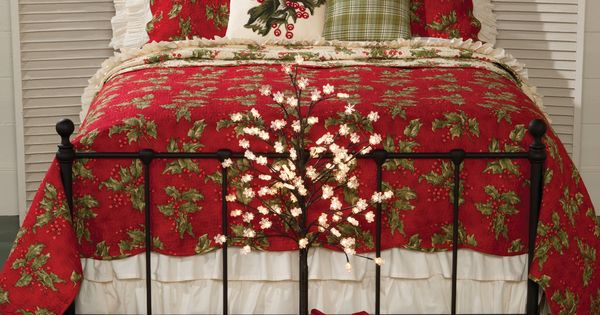 Holly Berry Quilt Collection
