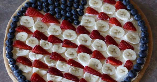 A new version of a fruit pizza for the 4th. Use the