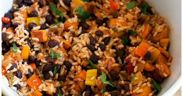 Easy Healthy Sweet Potato and Black Bean Enchiladas dinner sweetpotato enchiladas vegetarian