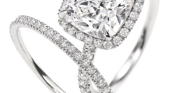 #HarryWinston Cushion Cut Diamond Engagement Ring and Band harrywinston.com -- orgasmic! Behlor