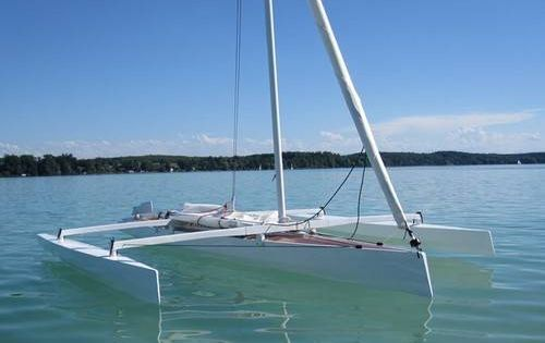The Trika 540 trimaran can be built from plywood at home ...