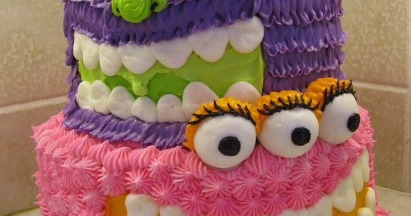 AWESOME Monster cake!! (makes me want to have a monster party...)