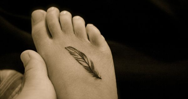 Small Tattoo Ideas for Women with Meaning | Small Feather Tattoos –